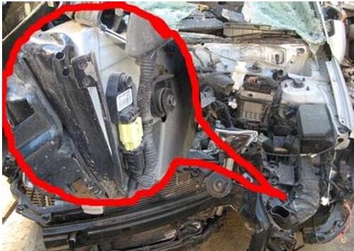 一汽马自达6安全气襄前碰撞传感器图片