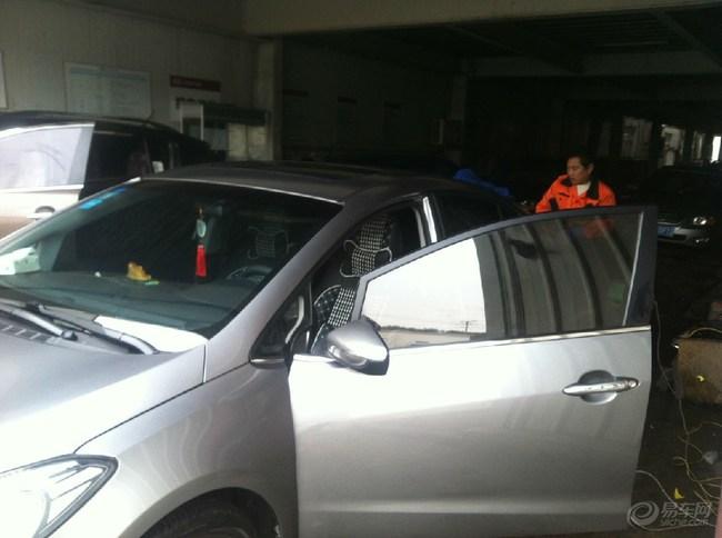 钛银K3汽车封釉流程高清图片