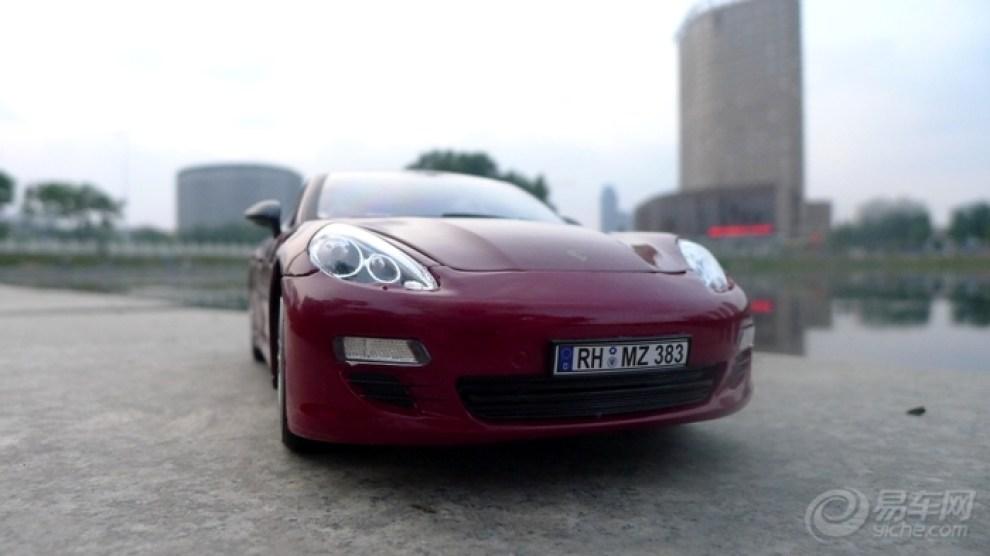 红色保时捷panamera外拍 高清图片