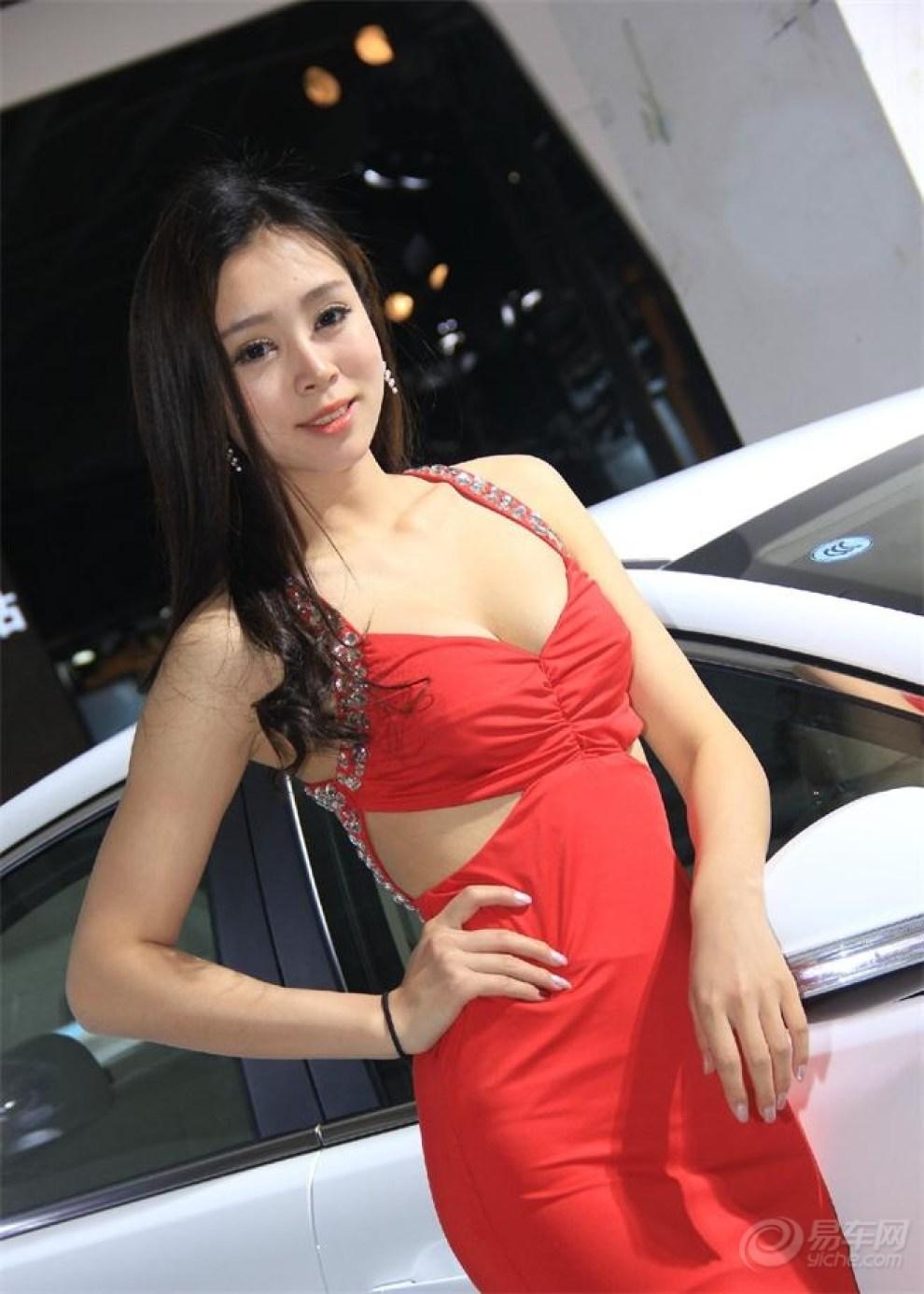 【兰州车展美女模特贼拉拉的漂亮!】 甘肃论坛