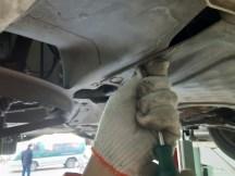 更换手动挡变速箱油作业