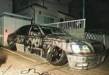玩车的妹子震撼之作 末日版丰田皇冠