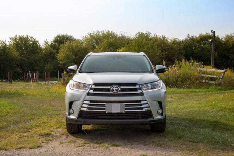2018款丰田汉兰达实车现身,3.5l 8at25万起售