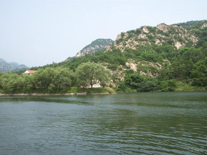 风景如画森林里空气也很清新还有一段坐船水上风景也不错