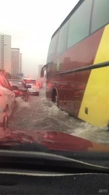 #爱车有道#雨太大 小逸泡水复活记