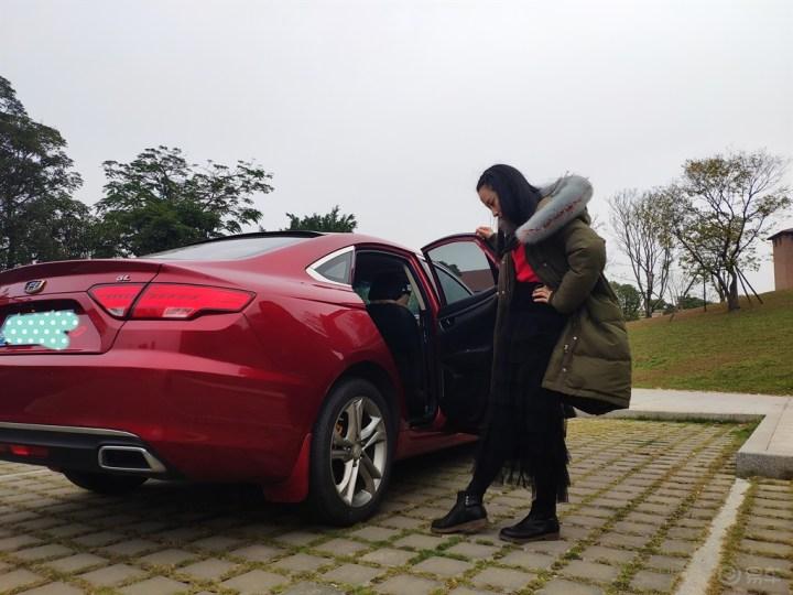 【媳妇当车模】新年新气象,不一样的地点不一样的精彩