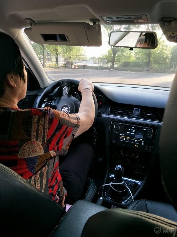 愿你像爱我一样爱自己,帮60岁母亲圆开车梦