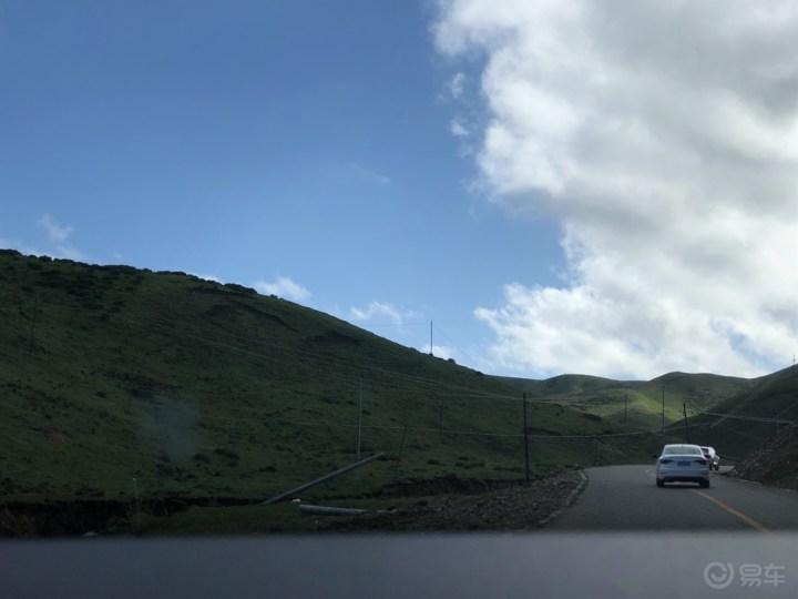 沿途风光盘山路,此次出行别无意,只验朋友口中车!