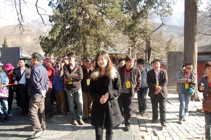嵩山少林寺两日畅游 美女导游领队