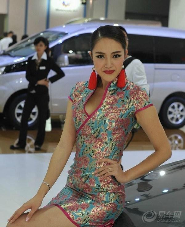 广州车展旗袍美女