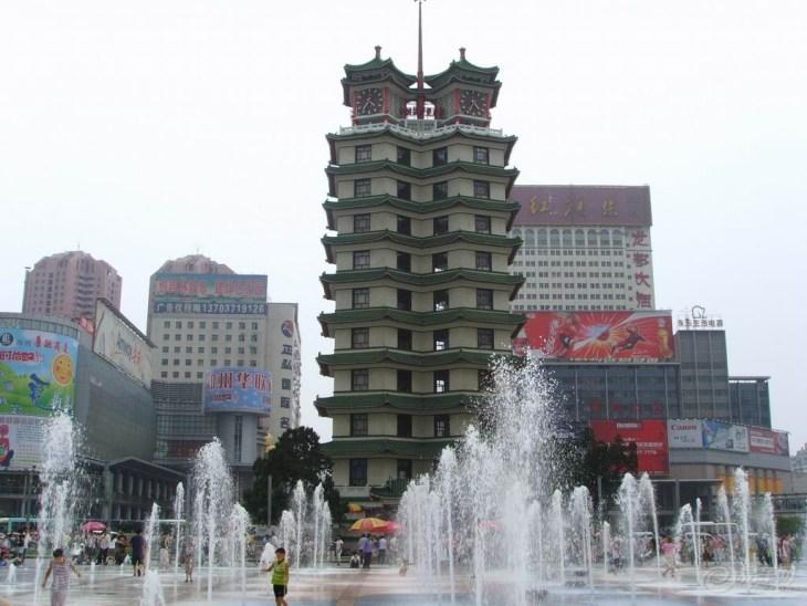 【二七纪念塔周边自驾游