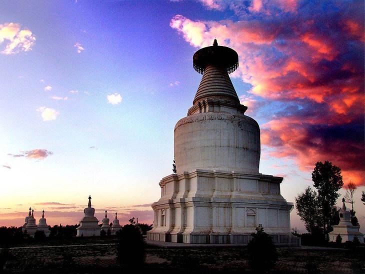 9张照片目的地介绍白塔寺位于武威市南约20公里处的白塔...
